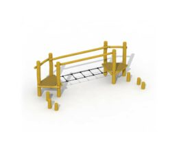 Agility trail in robinia (horizontal rope ladder)